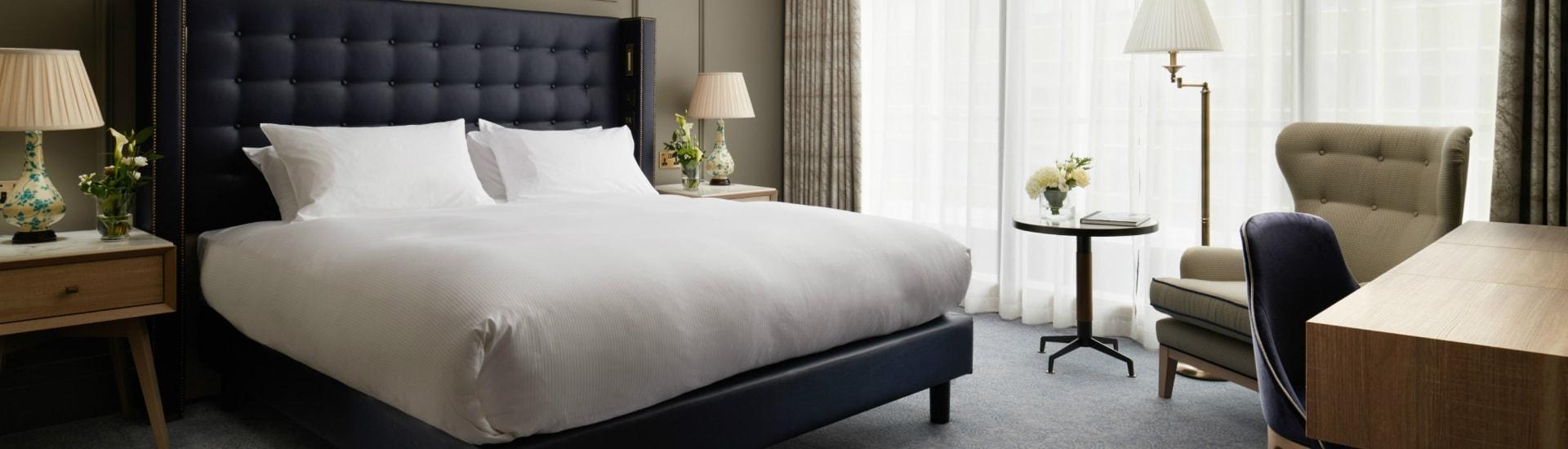Rooms-Suites-Homepage-Slide1