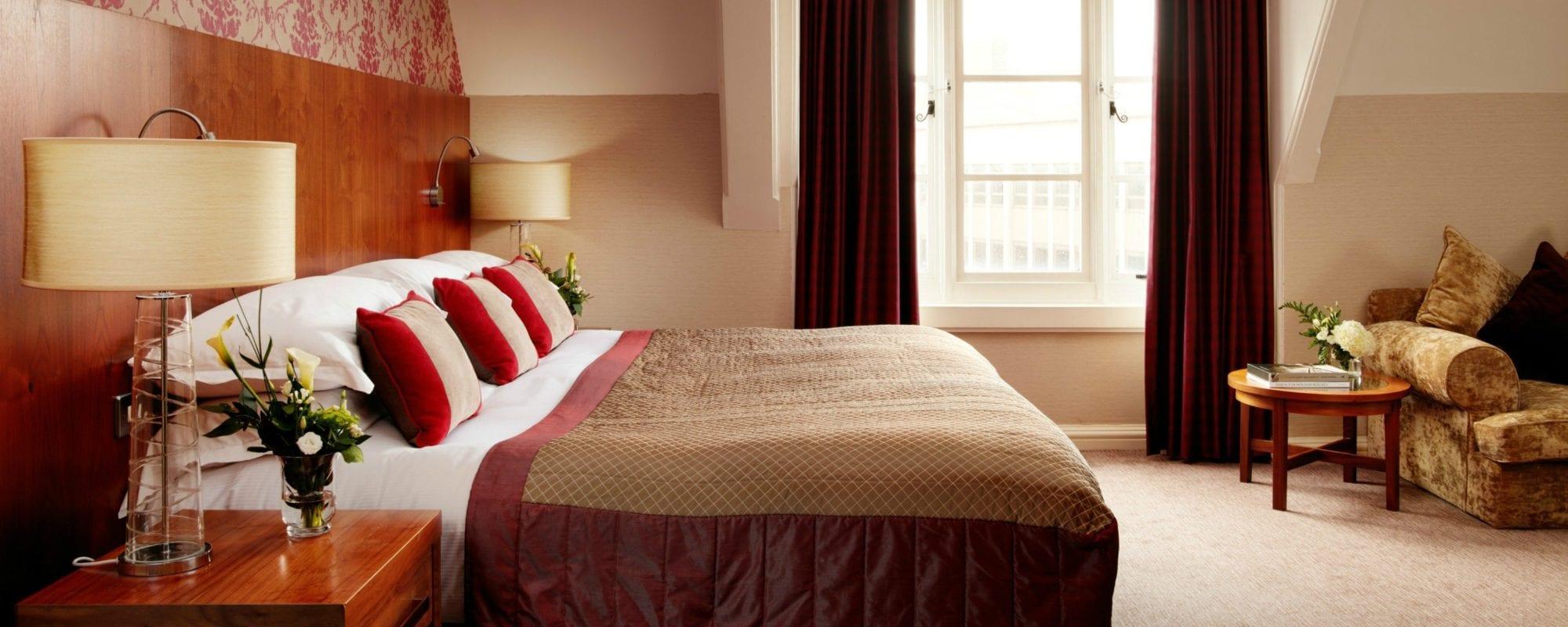 Rooms-Suites-Homepage-Slide2