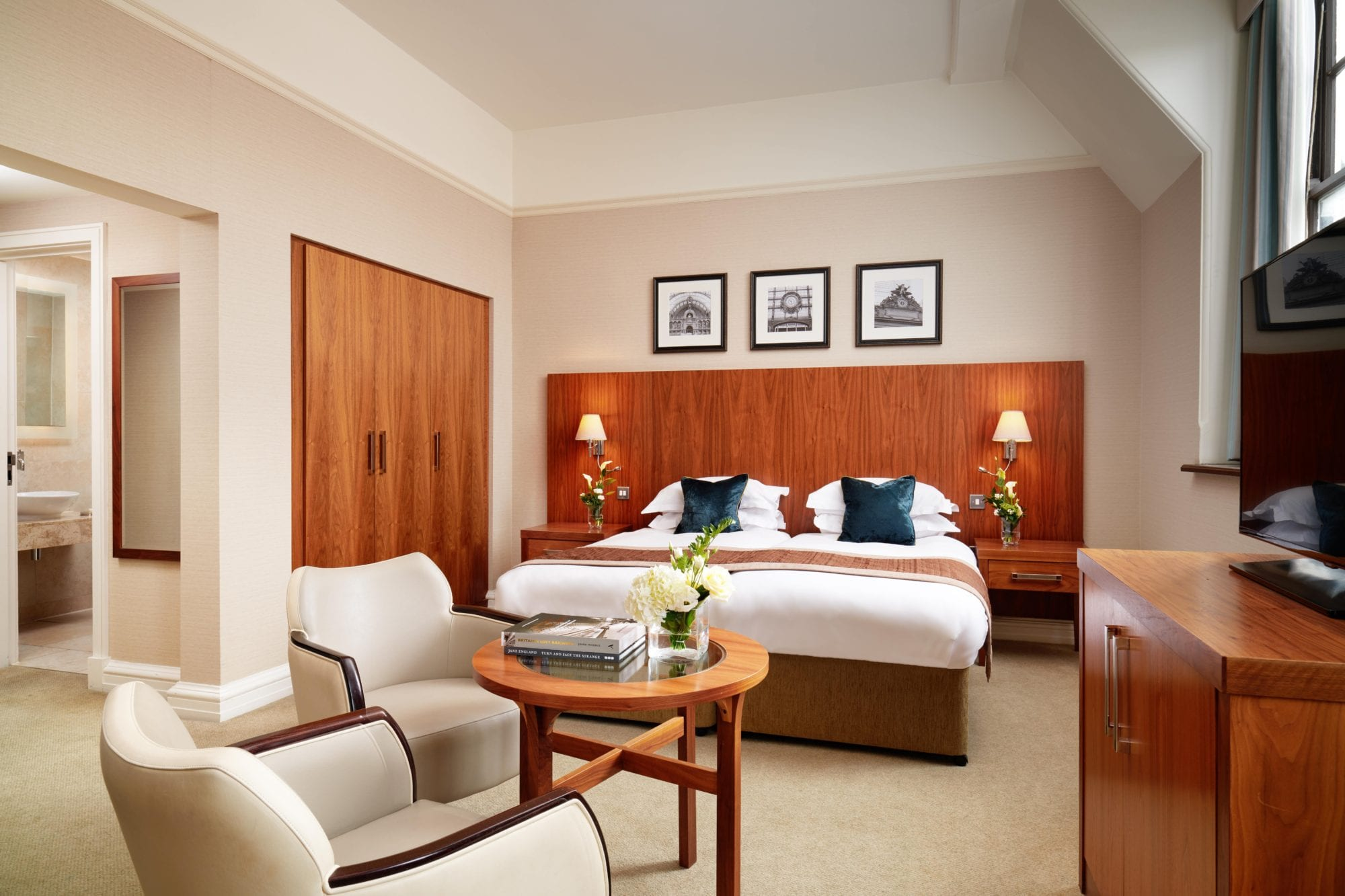 The Grand Classic Twin Bedroom