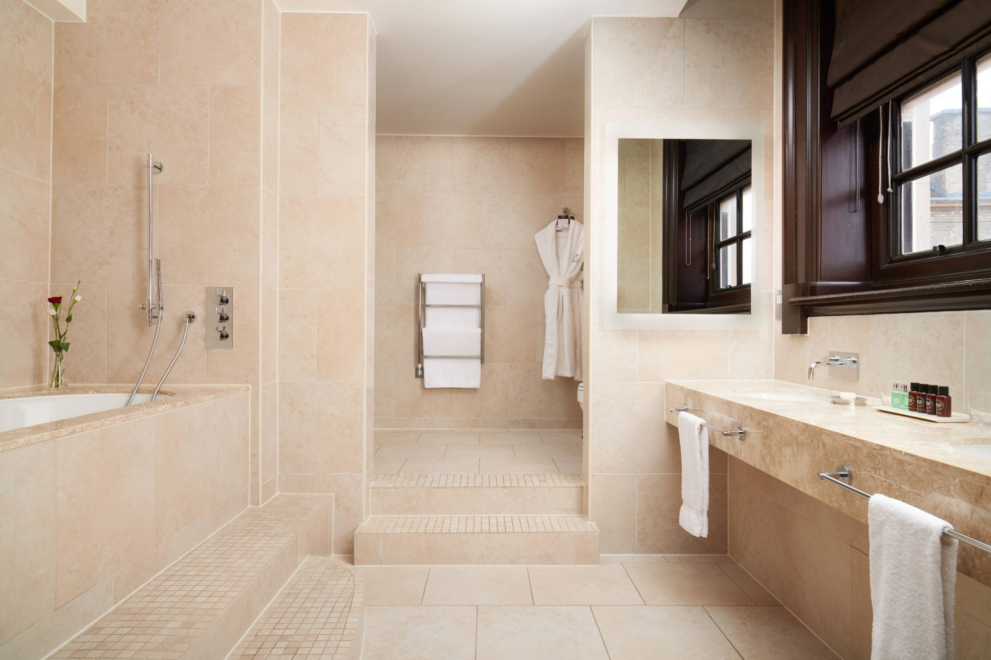 Grand Heritage – 230 Bathroom